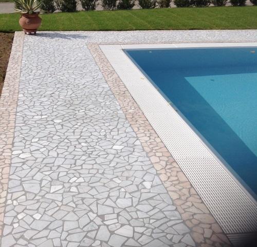 Pavimento piscina in palladiana di marmo 10 palladiana marmo for Pavimento para piscinas
